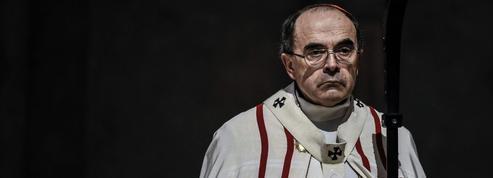 Pédophilie: Barbarin écarte quatre prêtres à Lyon