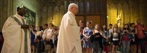 Saint-Étienne-du-Rouvray: bouleversée, l'Église de France partagée entre colère et prière