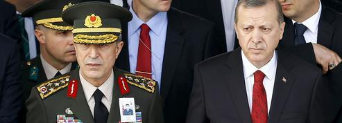 Les curieux liens d'Erdogan avec l'armée