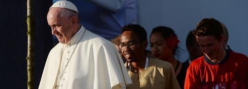 Aux JMJ, le pape François récuse les «jeunes-divans»