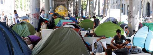 La perpétuelle évacuation des campements de migrants à Paris