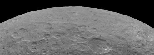 Un cryovolcan sur la planète naine Cérès