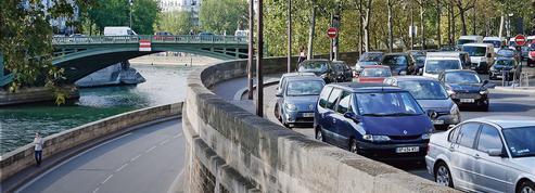 À Paris, la colère gronde contre la fermeture des voies sur berges