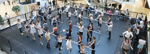 La Biennale sait sur quel pied danser