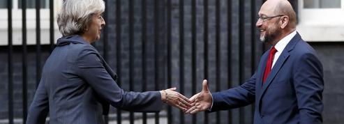 Brexit: drôle de guerre anglo-européenne
