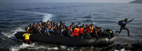 La police grecque débordée par l'afflux de migrants