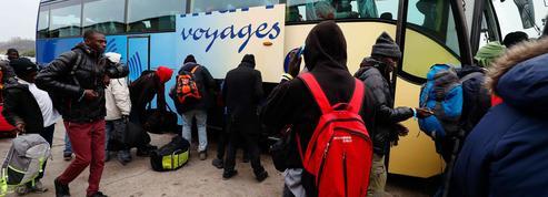Calais : des associations craignent des tensions dans les prochains jours