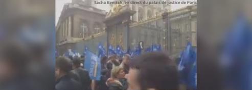 Suivez en direct la manifestation des policiers devant le palais de justice de Paris
