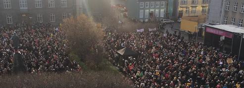 À 14h38, les Islandaises se mettent en grève contre les inégalités salariales