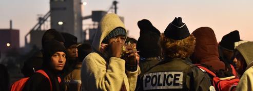 Des migrants mineurs errent toujours dans la «jungle» de Calais
