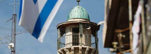 Israël veut mettre en sourdine l'appel à la prière des mosquées