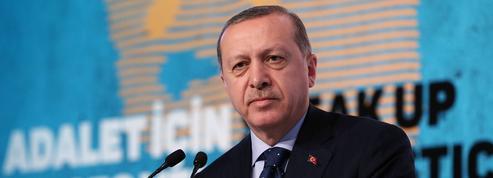 Turquie : Erdogan menace l'Europe de laisser passer les migrants