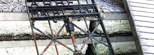 Le portail «Arbeit macht frei» volé au camp de Dachau retrouvé en Norvège