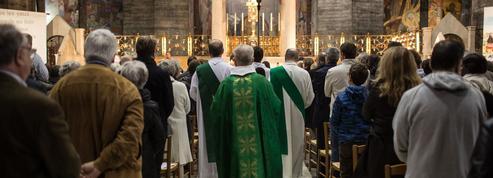 Comment expliquer le retour des catholiques sur la scène publique