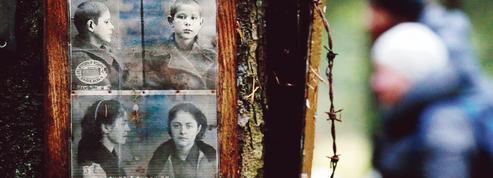 Les descendants des victimes de Staline en quête de vérité