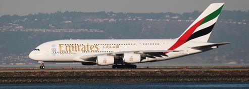 Airbus reporte la livraison de douze A380 à Emirates