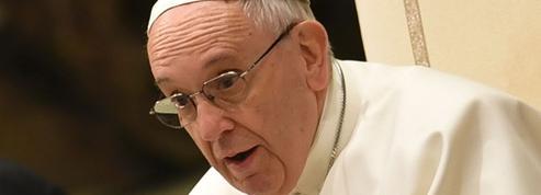L'Église catholique va-t-elle ouvrir le débat sur le célibat sacerdotal?