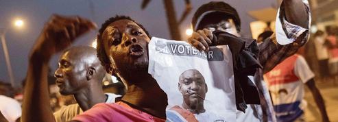 Gambie : l'ex-président Yahya Jammeh s'envole pour l'exil