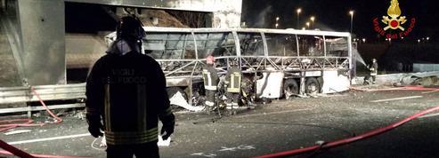 Italie : 16 morts dans l'accident d'un car transportant des adolescents hongrois