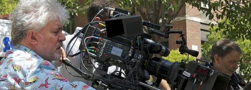 Cannes : Pedro Almodóvar, boudé par la Palme, adoré par le Festival