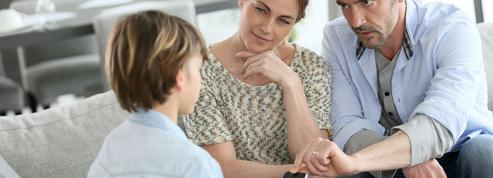 Ados et smartphones : «Les parents doivent fixer des règles. Et les respecter eux-mêmes»