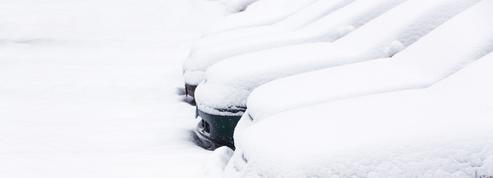 Comment gérer les dégâts liés à la neige sur votre voiture ?