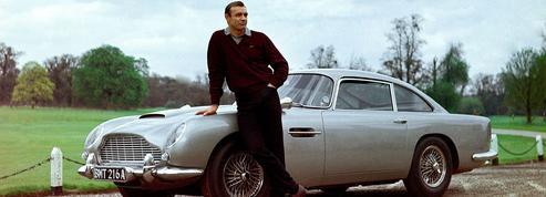 L'Aston Martin DB5 de James Bond débarque à Paris