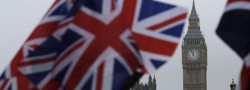 Les députés britanniques autorisent Theresa May à déclencher le Brexit