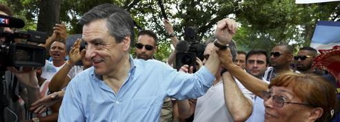 À La Réunion, Fillon agite le spectre d'«une crise de régime»