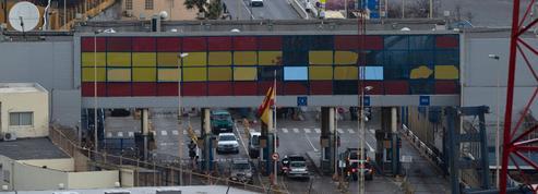 Comment expliquer les tentatives de passage groupé de migrants vers la ville de Ceuta ?