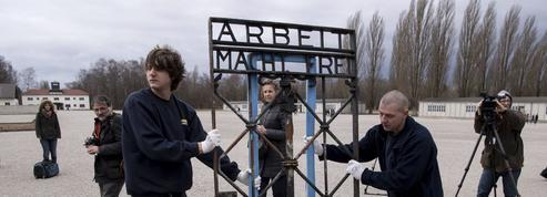 Le portail volé «Arbeit macht frei» revient enfin à Dachau