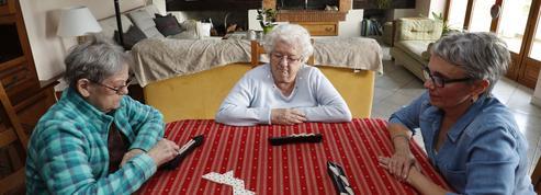 Des familles d'accueil pour les personnes âgées