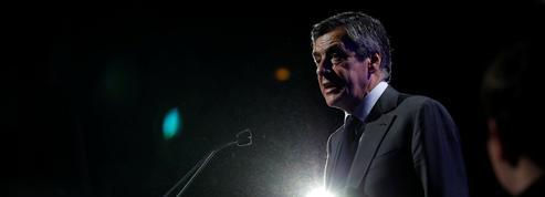 À Caen, Fillon en appelle au «courage» devant ses soutiens