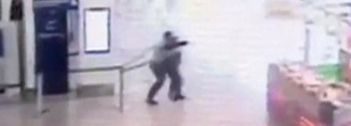 Attaque d'Orly: ce que révèlent les images de la vidéosurveillance