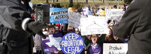 Les sénateurs du Texas adoptent deux mesures anti-avortement
