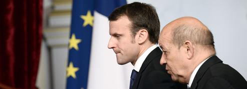 Ouest[ouèst] n. m. Permet à Macron d'avoir la cote bretonne