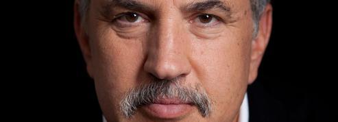 Charles Jaigu : «Manuel de survie à l'approche du cyclone»