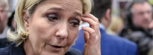 Interpellée sur le geste d'un de ses proches, Marine Le Pen tacle Pujadas