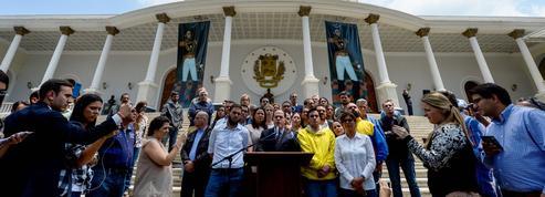 Venezuela : le pouvoir chaviste met le parlement hors jeu