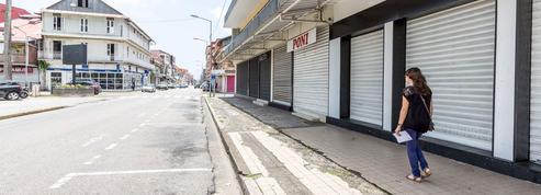 Les «500 frères» font fermer la totalité des magasins à Cayenne