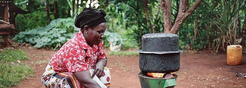 Des Kényanes allègent l'empreinte carbone du Marathon de Paris
