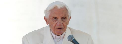 BenoîtXVI, qui fête dimanche ses 90ans, est «lucide» mais affaibli