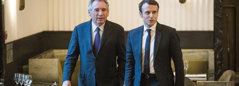 Bayrou, Macron, Fillon et les petits calculs d'économies