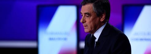 Attaque des Champs-Elysées : pourquoi Fillon a évoqué en direct d'autres violences à Paris
