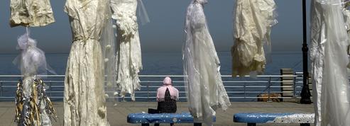À Beyrouth, des robes de mariée pour dire «non» à une loi sur le viol