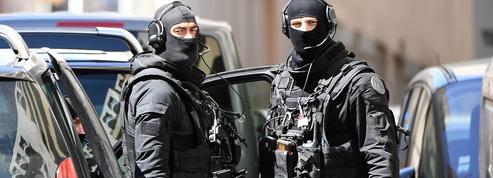 Attentat déjoué : les deux suspects mis en examen et écroués