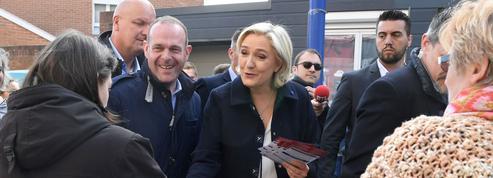 La nouvelle bataille de Le Pen face à Macron, le «candidat des banques et des salons»