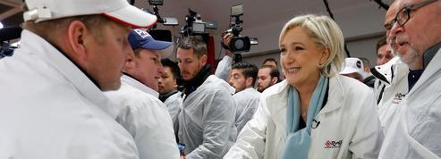 À Rungis, Marine Le Pen dénonce la «trahison» de François Fillon