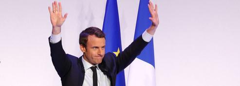 Emmanuel Macron reste largement favori au second tour