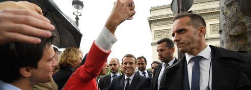 Les à-côtés de la passation de pouvoir entre Hollande et Macron
